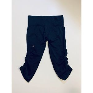 Women's Lululemon Capri Leggings Size 6